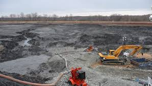 excavation-of-coal-ash[1]